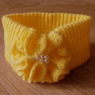 čelenka žlutá s kytkou